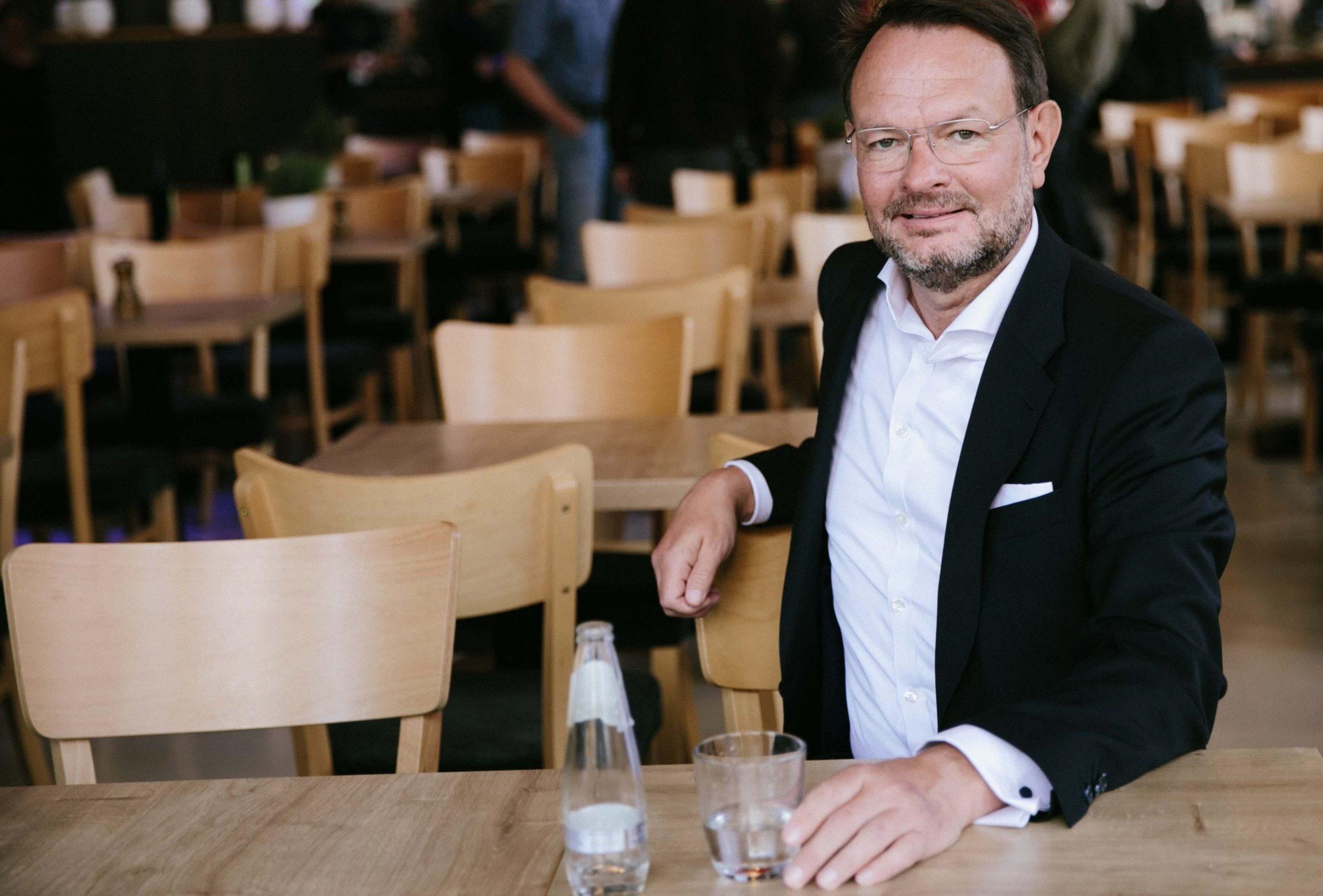 Rolf Kassel - Impfstoff für Unternehmen gegen Corona